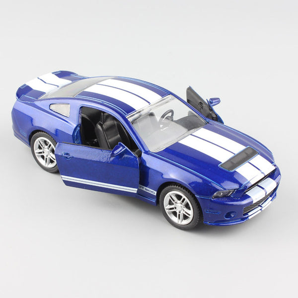 1:32 Scale Shelby GT500