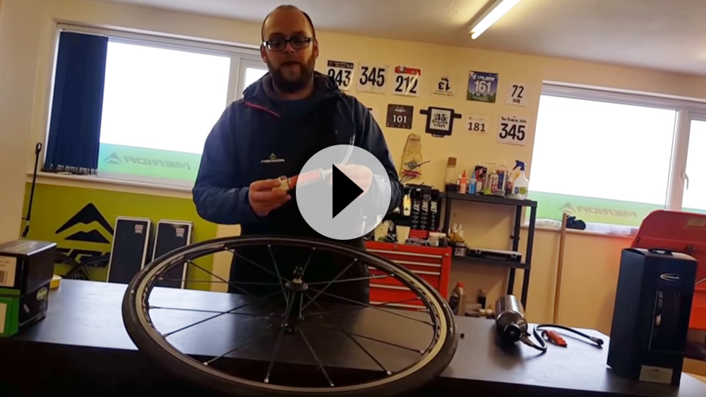 Video demonstration on going tubeless with your road wheels