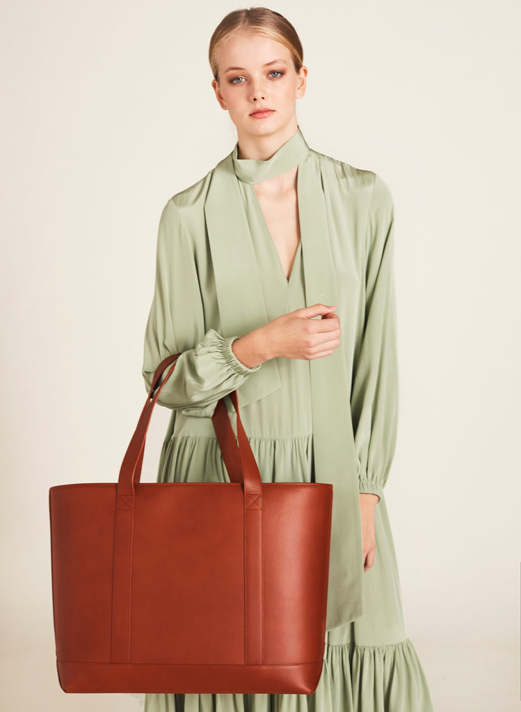 Large Tote in Cognac and Montunas