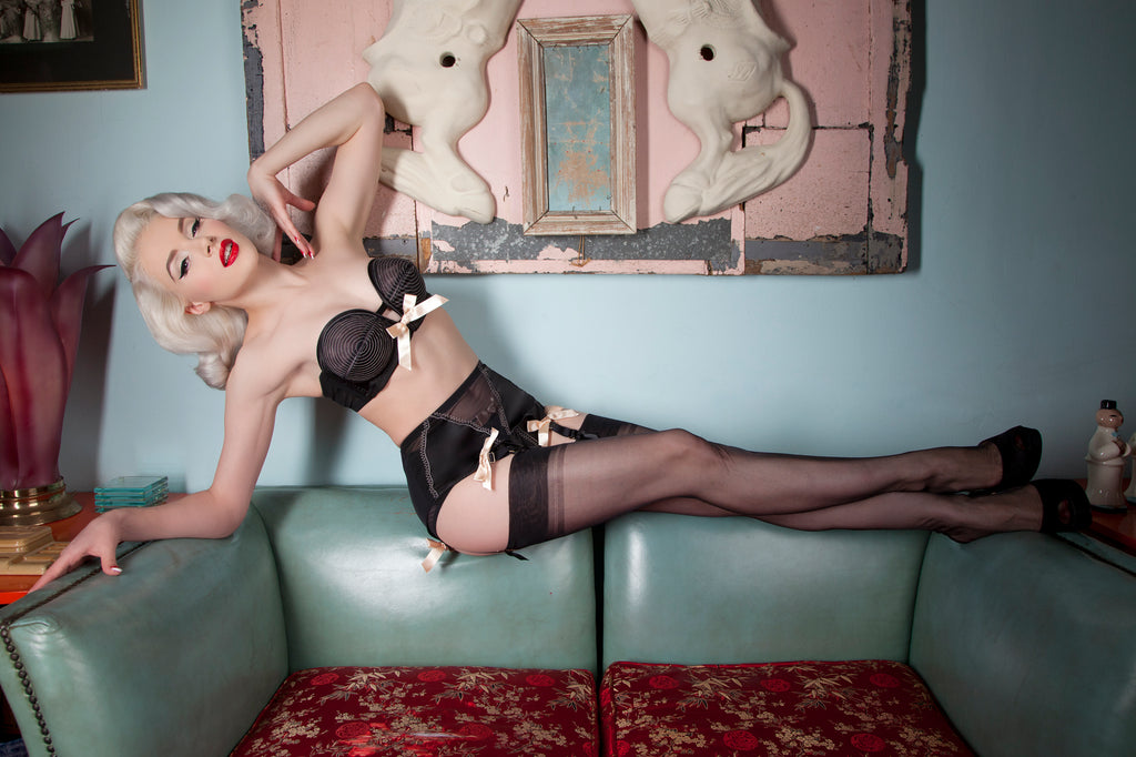 Bettie Page Black/Peach Overwire Bra w/ Straps