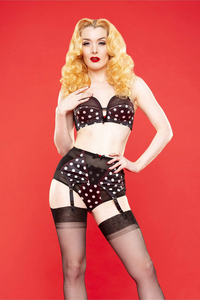 Bettie Page Spot 4 Strap Z stitch suspender belt