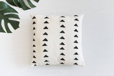 Mudcloth Cushion - Triangles Black: Alternate View #3