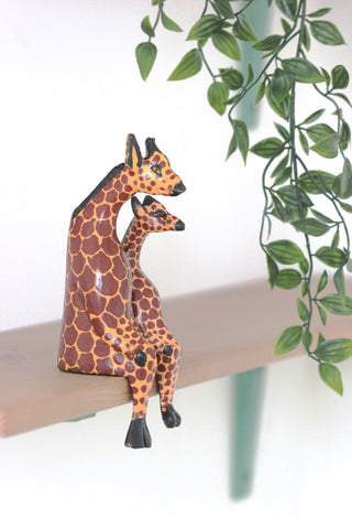 Shelfie Animal - Wooden Giraffe: Alternate View #6