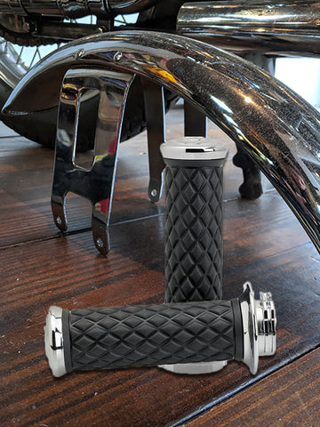 Biltwell AlumiCore Grip Set Dual Cable - Chrome