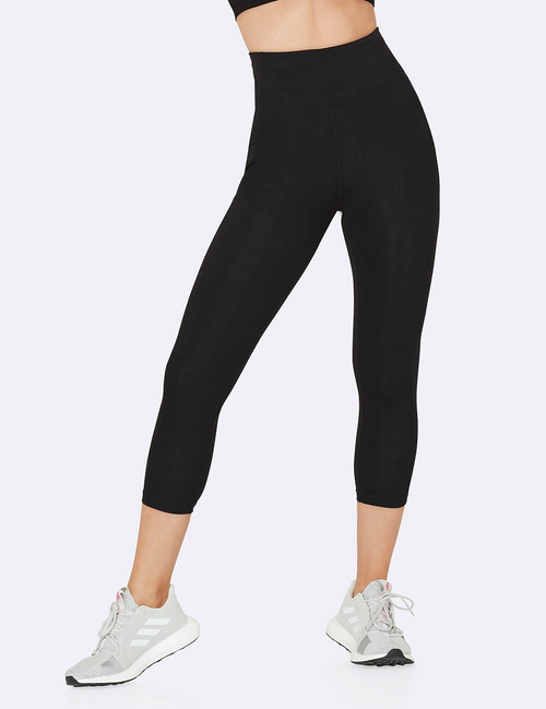 Active High-Waisted 3/4 Leggings with Pockets in Black