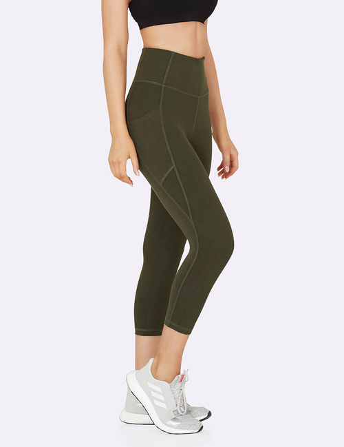 Active High-Waisted 3/4 Leggings with Pockets in Dark Olive