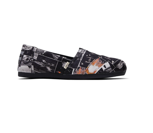 Star Wars X TOMS Black Darth™ Print Women's Classics