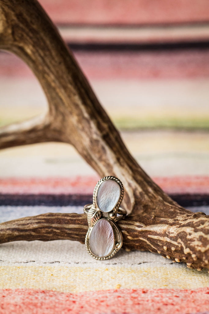 Vintage Southwest Mother of Pearl Ring - Cowgirl Relics