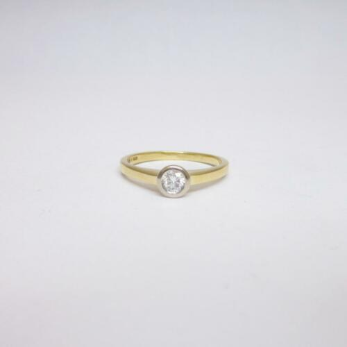 18ct Yellow Gold 0.21ct Rub Over Set Diamond Ring Size O 3g