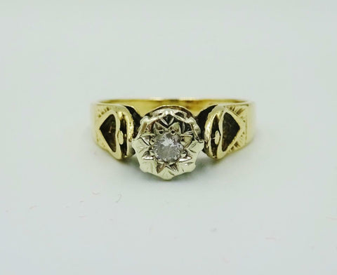 9ct Vintage Gold Illusion 0.05ct Diamond Ring Heart On Shoulders 2.8g M