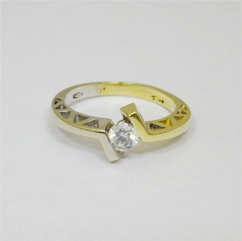 14ct Two Colour Gold Ladies Cubic Zirconia Ring Size P 1/2 4.1g