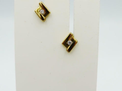 9ct Yellow Gold 375 Stamped Cubic Zirconia Set Stone Fancy Ladies Stud Earrings