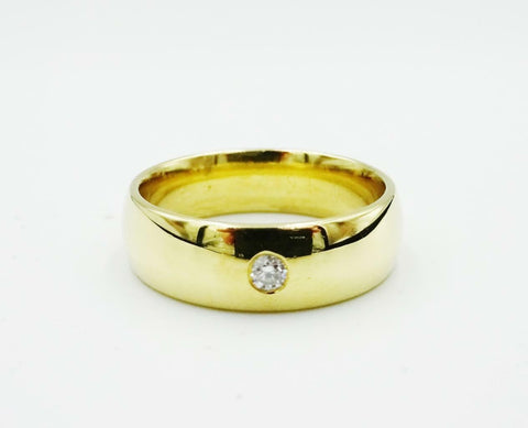 18ct Yellow Gold D Shaped 0.05ct Diamond Men's Wedding Band 8.4g 6mm Size Q - Richard Miles Jewellers
