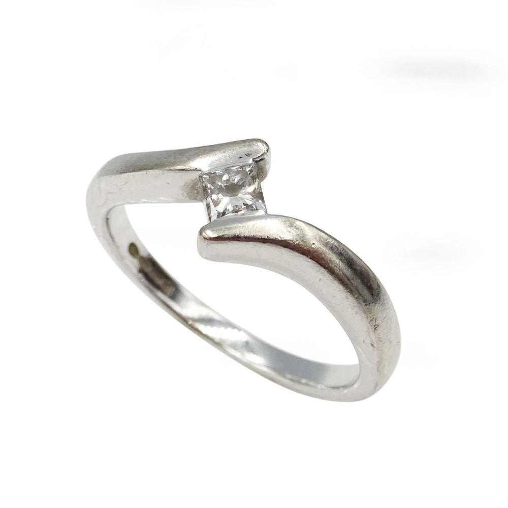 Pre-Owned 18ct White Gold Twisted Princess Diamond Solitaire Ring 0.16ct - Richard Miles Jewellers