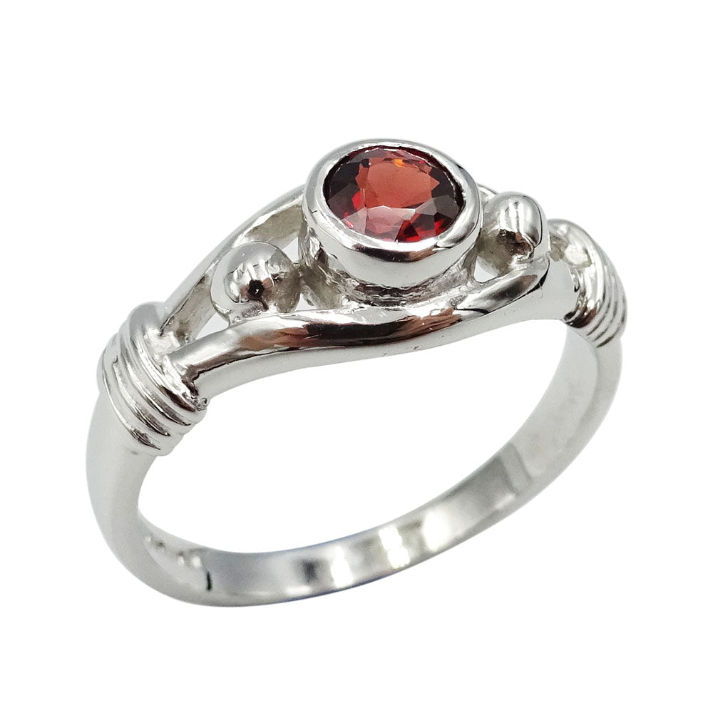9ct White Gold Rope Detail Garnet Ring Size O - Richard Miles Jewellers