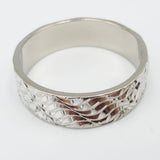 18ct White Gold Textured Wave Pattern Ladies Band Size N 5.4mm 4.7g - Richard Miles Jewellers