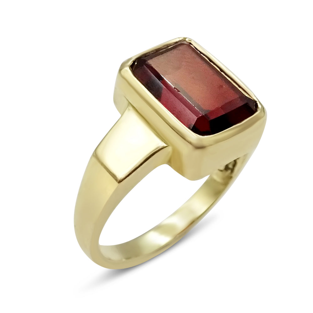 9ct Gold Rectangle Garnet Mens Ring
