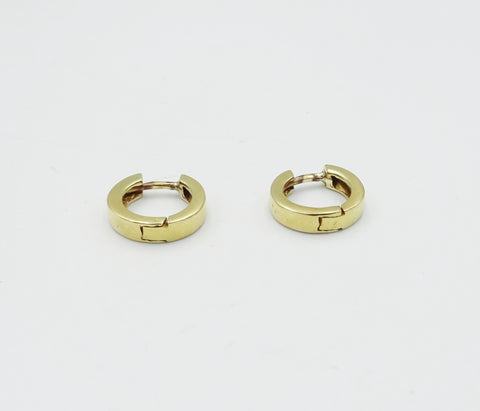 18ct Gold Round Huggie Earrings