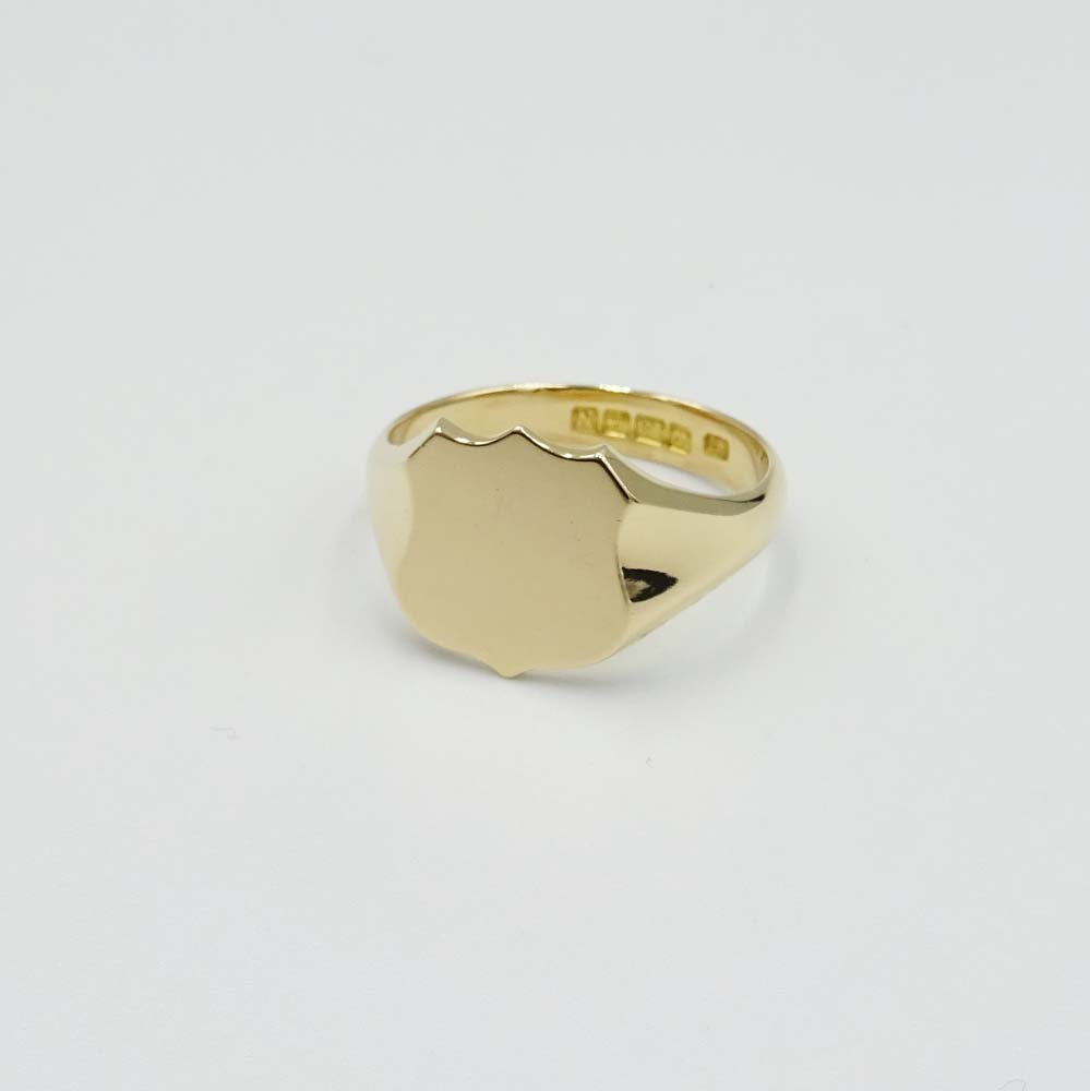 18ct Yellow Gold Shield Signet Ring Size R 1/2