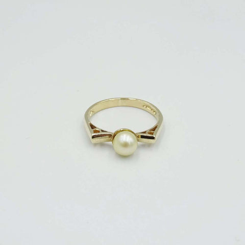 9ct Yellow Gold Pearl Ring Size O 1/2