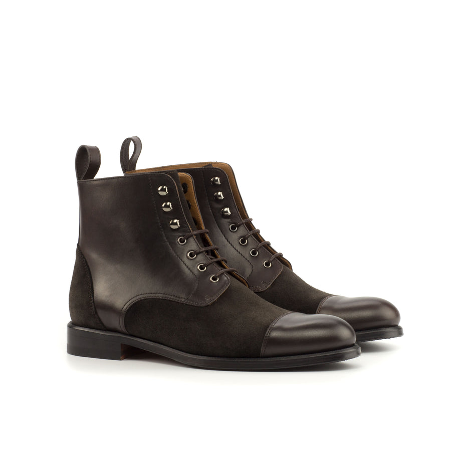 Lace Up Captoe Boot 009
