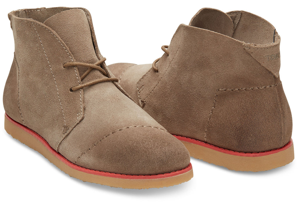 CASTLEROCK GREY EMBOSSED SUEDE WOMEN'S MATEO CHUKKA BOOTIES