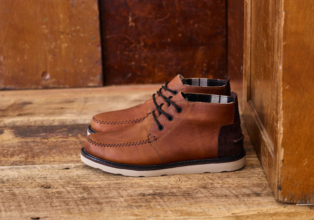 BROWN LEATHER WATERPROOF MEN'S CHUKKA BOOTS
