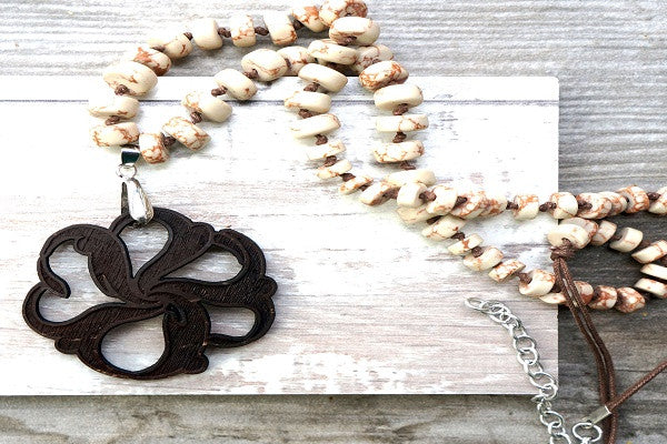 YOGA NECKLACE - NATURAL FLOWER. Natural, recycled,