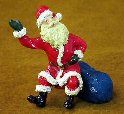 Kit# 9600 - Seated Santa on toy sack