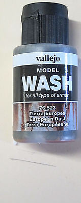 76523 European Dust Vallejo Wash Paint: 35ml