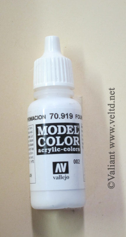 70919 Vallejo Model Color Paint: 17ml  Foundation White  (M002)