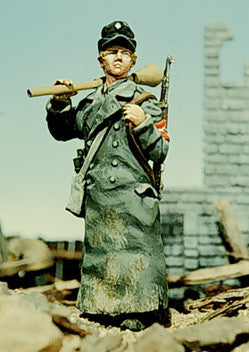 Kit# 9803 - German Hitler Youth 1945, WWII