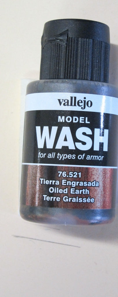 76521 Oiled Earth Vallejo Wash Paint: 35ml