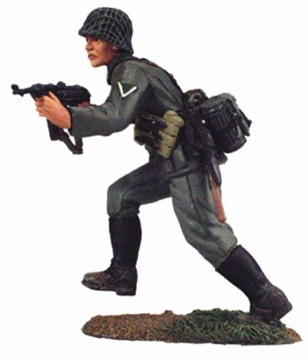 Kit# 9659 - German Running Firing MP40 WWII