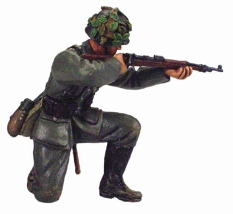 Kit# 9655 - German Kneeling Firing WWII
