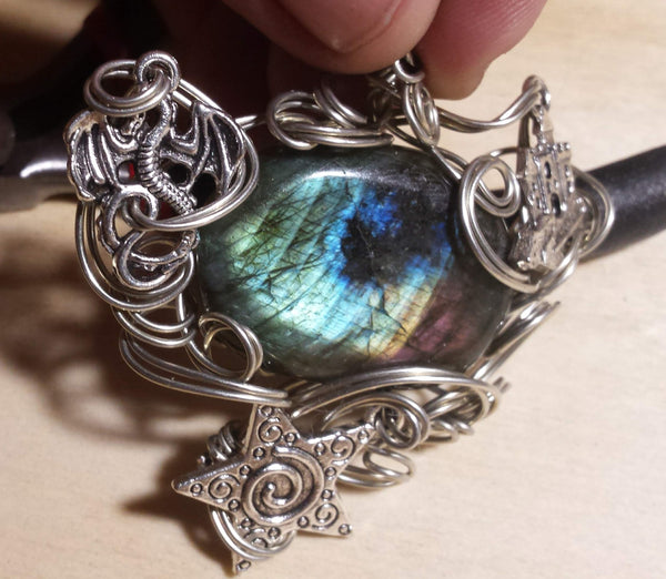 Write Your Own Fairytale Labradorite Pendant - Antika Nueva