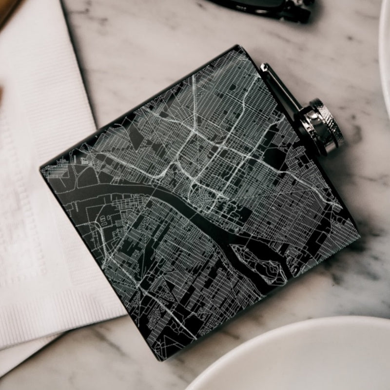Detroit - Michigan Map Hip Flask in Matte Black