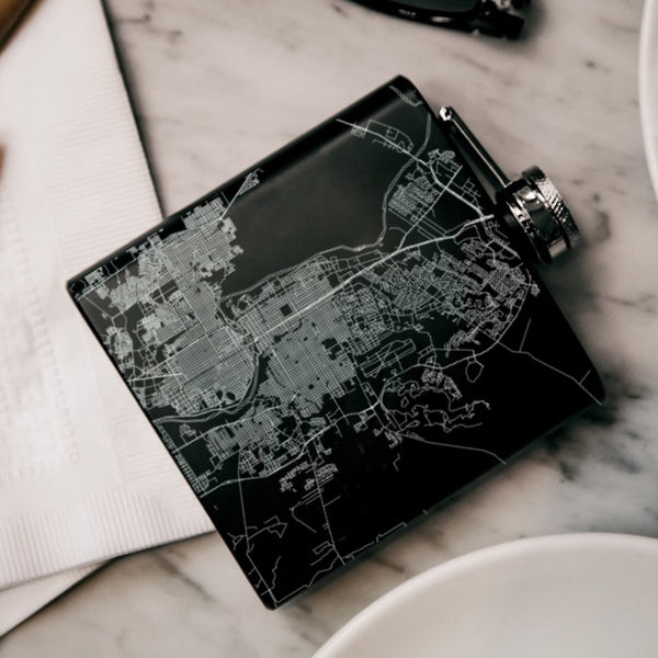 Laredo - Texas Map Hip Flask in Matte Black