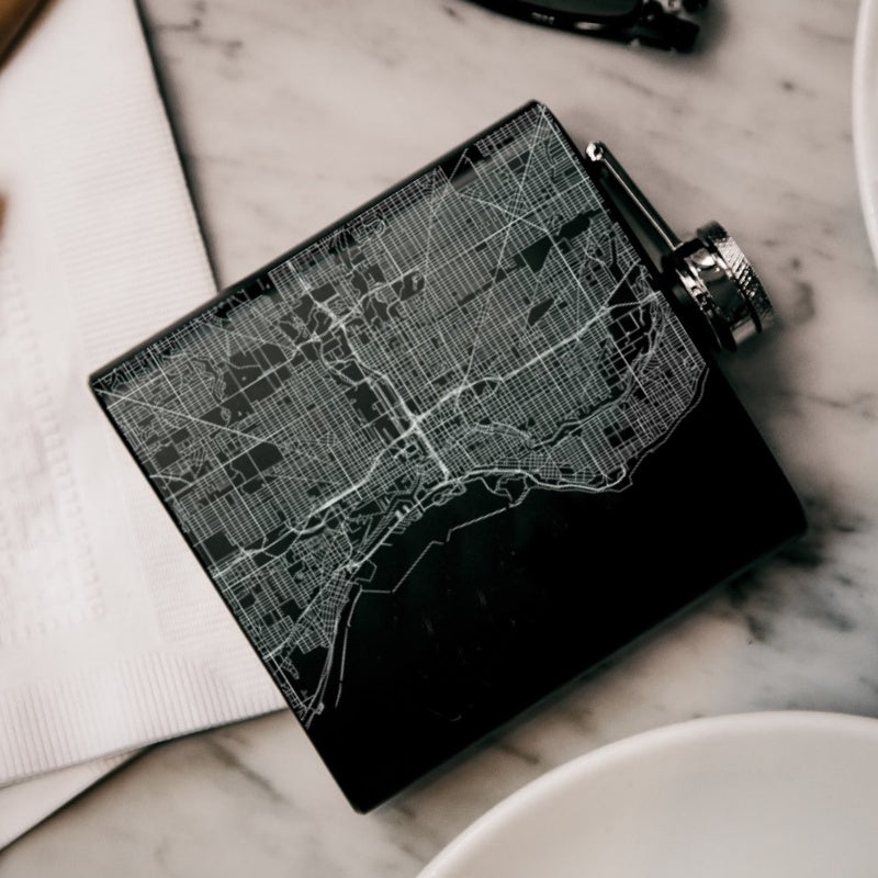 Milwaukee - Wisconsin Map Hip Flask in Matte Black