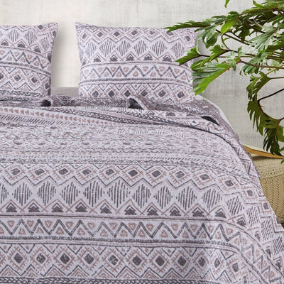 Geometric Print Polyester King Quilt Set with 2 Sham, Multicolor By Casagear Home