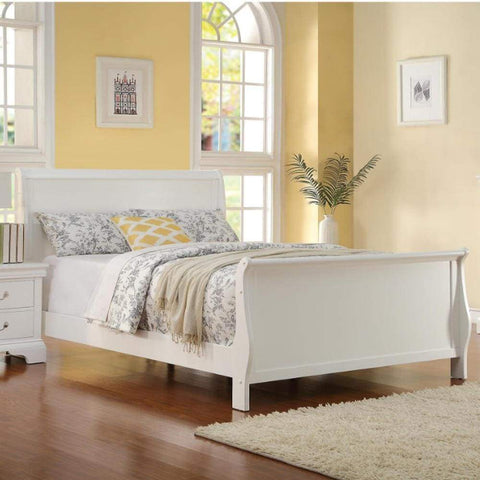Traditional Three Drawers Wood Night Stand with Cabriole Legs, White - 1386-4