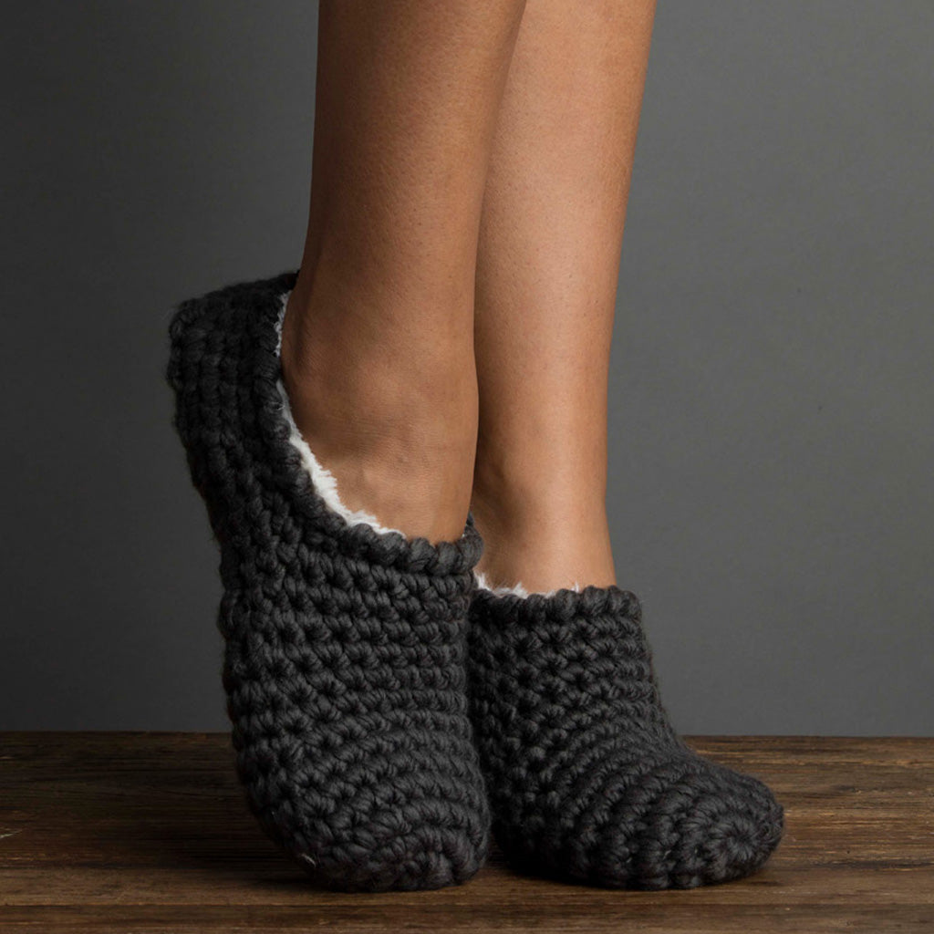 Nona Bootie Slipper with Faux Fur Black