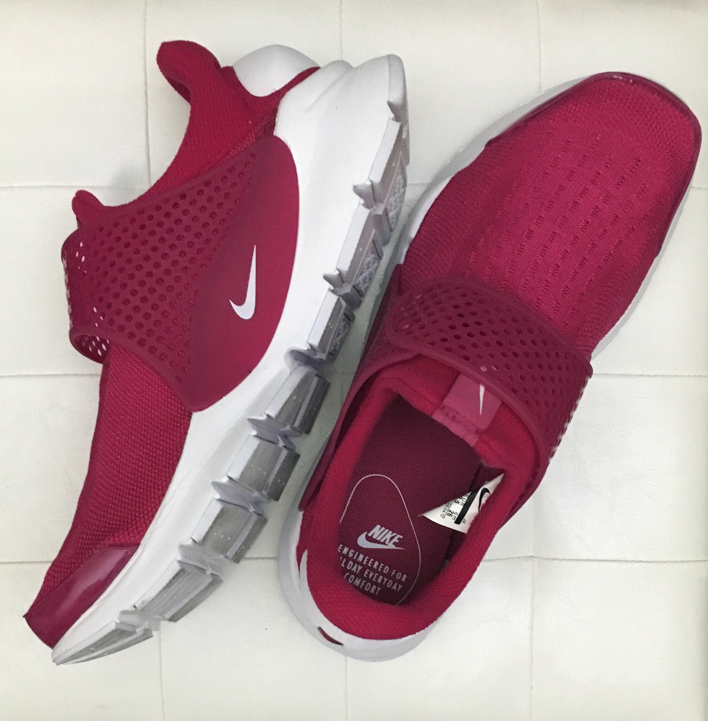 Berry Nike Sock Dart