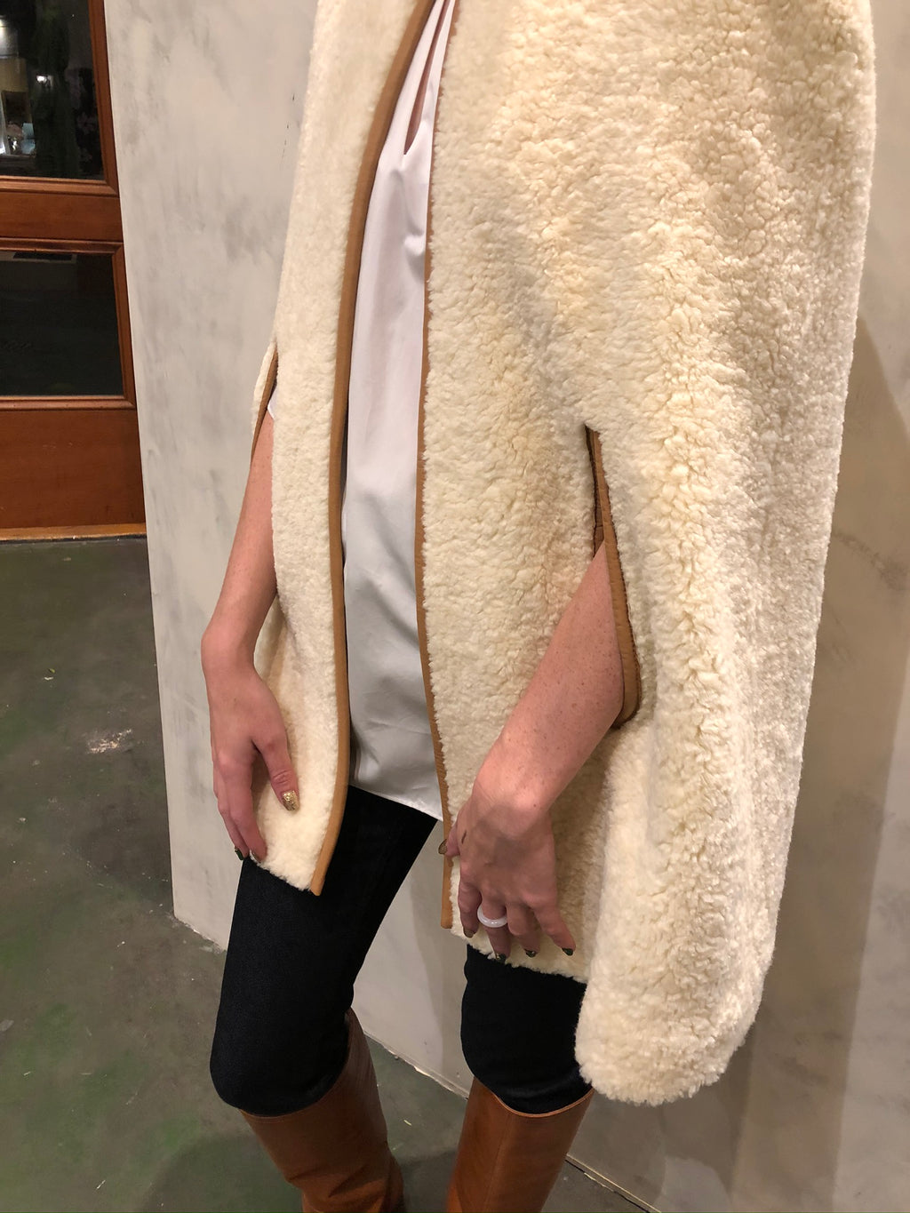 Mellac Faux Fur Cape