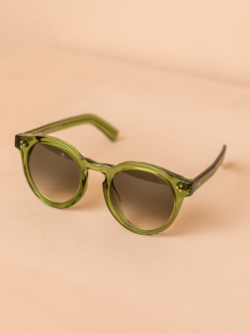 Leonard II E in Hunter with Olive Gradient Lenses