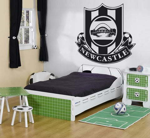 Newcastle crest wall sticker wall chick