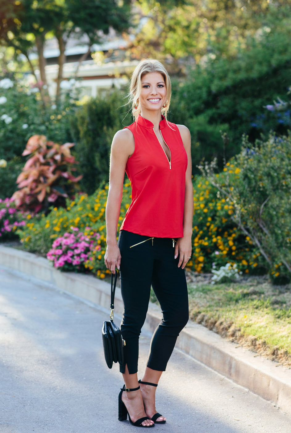 Petite Top in Red and Petite pants cropped in black