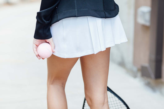 GRAND SLAM PLEAT-BACK SKIRT - Black & White