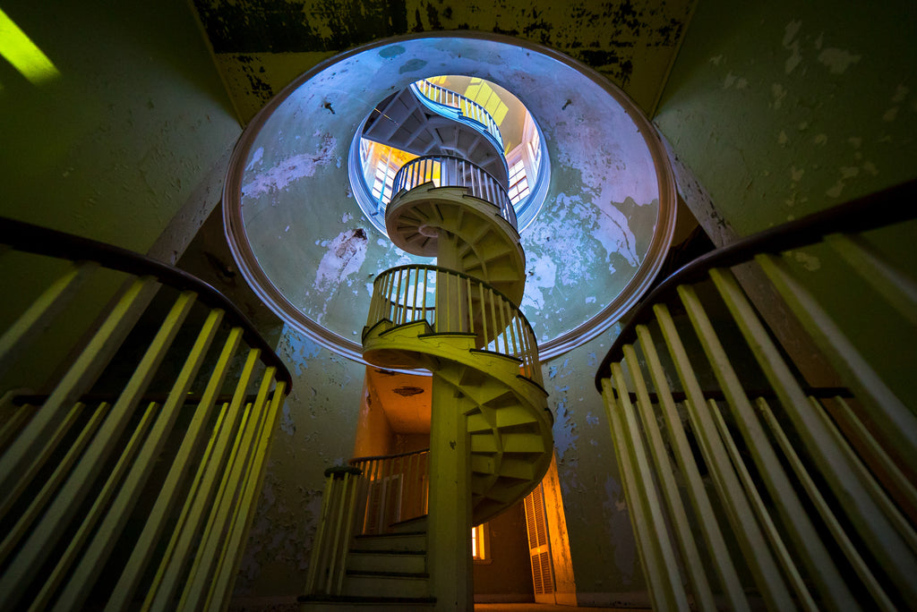 abandoned places photos urbex spiral stairs asylum