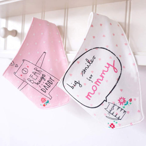 2Pcs/Lot Cute Cartoon Printed Letters Baby Bibs ***FREE INSURED SHIPPING.